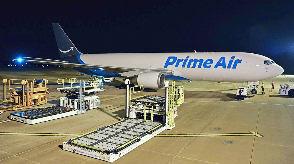 Amazon paves way for third-party delivery